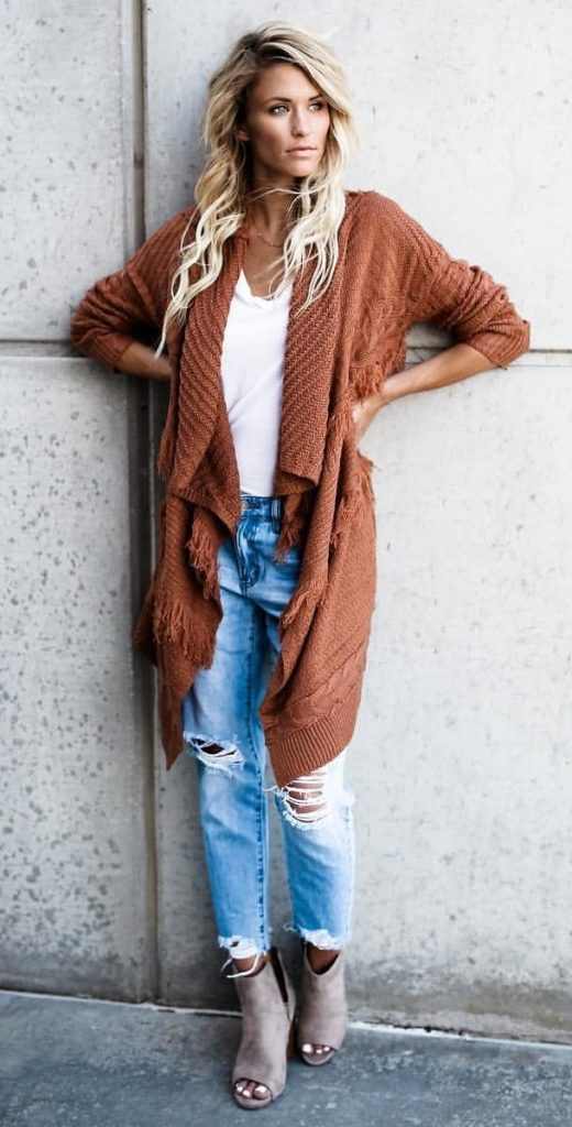 #fall #outfits / Sandy Brown Cardigan - Boyfriend Jeans